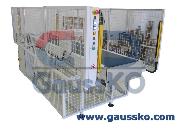 Degausser for aerospace industry with conveyor tape